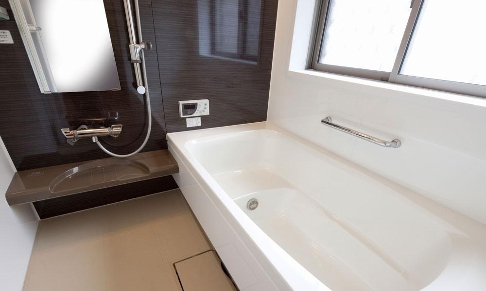 保温効果のある最新の浴室
