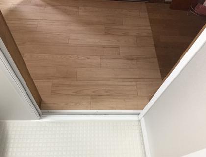 お風呂の床段差